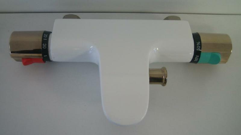 ideal standard thermostat badewannenarmatur weiss edelmessing spuelen. Black Bedroom Furniture Sets. Home Design Ideas