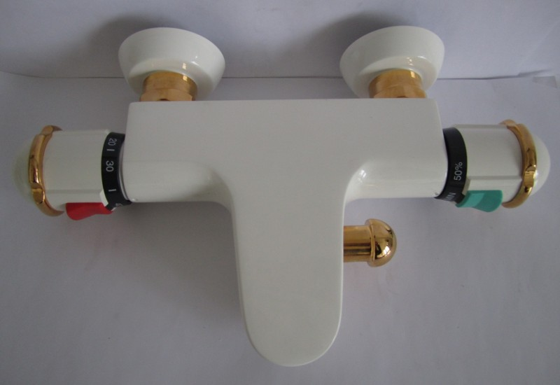 ideal standard thermostat badewannenarmatur weiss gold spuelen. Black Bedroom Furniture Sets. Home Design Ideas