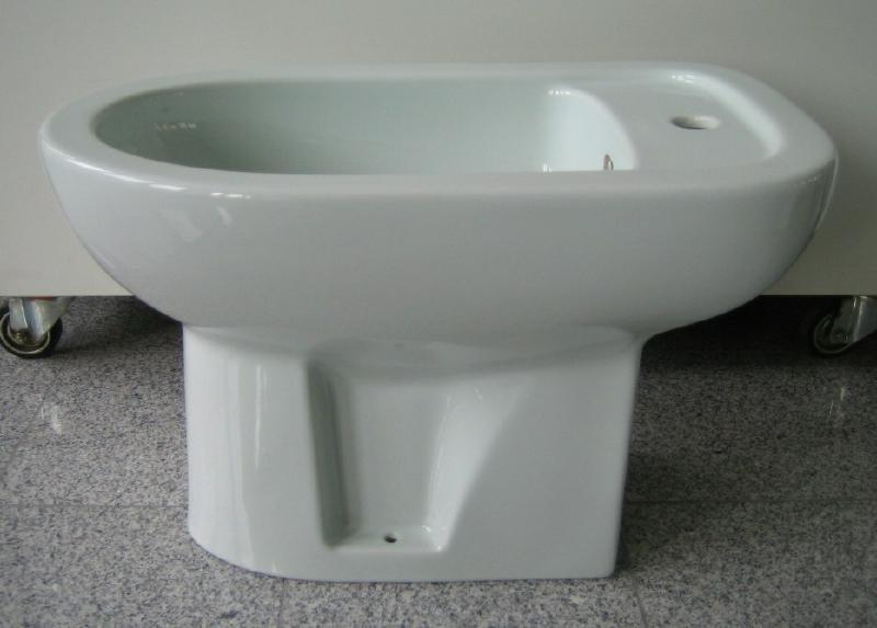 keramag delta stand bidet in g is gr n spuelen. Black Bedroom Furniture Sets. Home Design Ideas