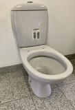 SPHINX Stand-WC-Kombination mit Spülkasten Manhattan Abgang zum Boden